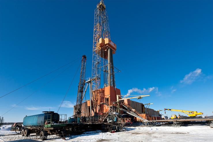 куст нефтяных скважин